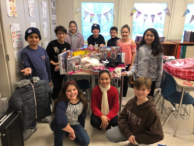 <br><center>Student Council Participates in Gift Drive for Bergen County Volunteer Center's All Wrapped Up program.<br><br>Thank you WRIS for helping to make the holidays enjoyable for those less fortunate.<hr></center>